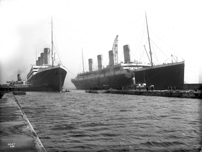 Olympic_and_Titanic