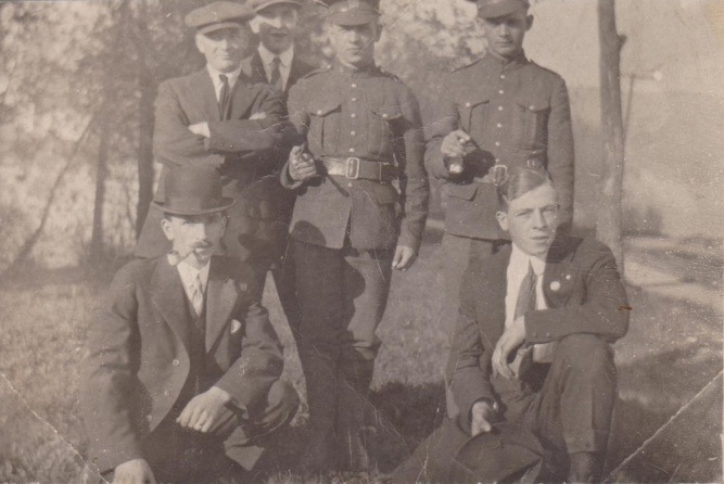 Private Matthew Lynn (1895-1917) in centre of photo with Private Sam Cree on his left