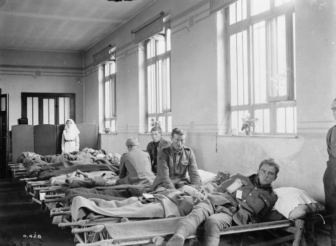 Casualties just arrived. No. 1 Casualty Clearing Station. July, 1916. Source: Dept. of National Defence/Library and Archives Canada/PA-000324