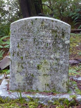 The grave of Frederick Gerald Tibbs, Morpheus Island Cemetery